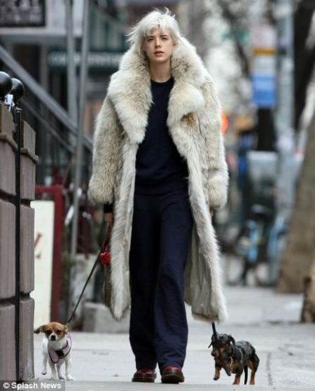agness_deyn_wears_fur